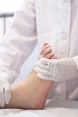 Foot care specialist for patients with diabetes in Bridgeport & Weston, WV